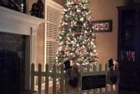 Gorgeous Farmhouse Christmas Tree Decoration Ideas 45