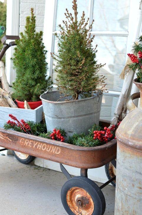 Gorgeous Farmhouse Christmas Tree Decoration Ideas 52