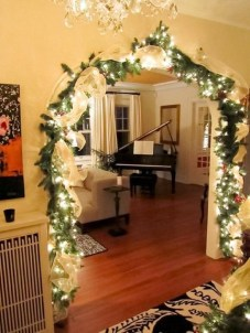 Inspiring Christmas Decoration Ideas For Your Living Room 12