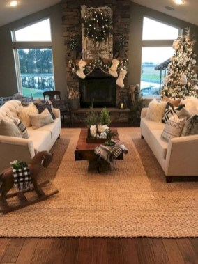 Inspiring Christmas Decoration Ideas For Your Living Room 17
