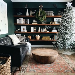 Inspiring Christmas Decoration Ideas For Your Living Room 31