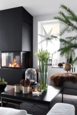 Inspiring Christmas Decoration Ideas For Your Living Room 40