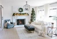 Inspiring Christmas Decoration Ideas For Your Living Room 42
