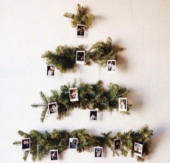 Minimalist Christmas Decoration On A Budget 05