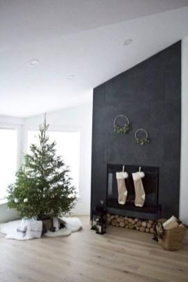 Minimalist Christmas Decoration On A Budget 22