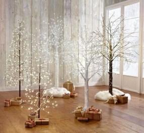 Minimalist Christmas Decoration On A Budget 34
