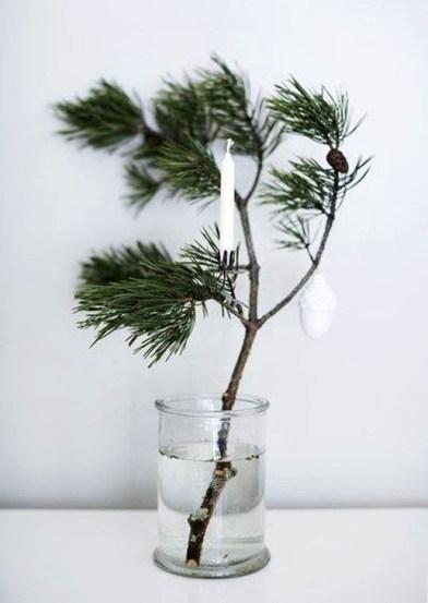 Minimalist Christmas Decoration On A Budget 51