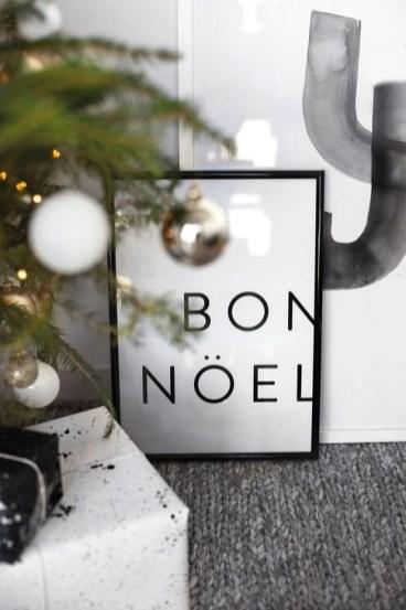 Minimalist Christmas Decoration On A Budget 52
