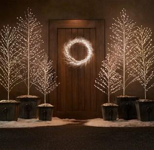 Minimalist Christmas Decoration On A Budget 54