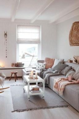 Popular Winter Living Room Design For Inspiration 03