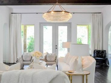 Popular Winter Living Room Design For Inspiration 05