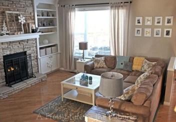 Popular Winter Living Room Design For Inspiration 11