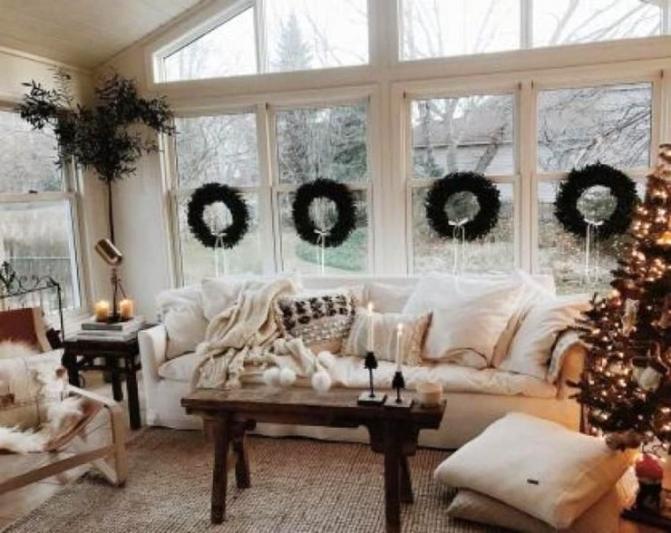 Popular Winter Living Room Design For Inspiration 14