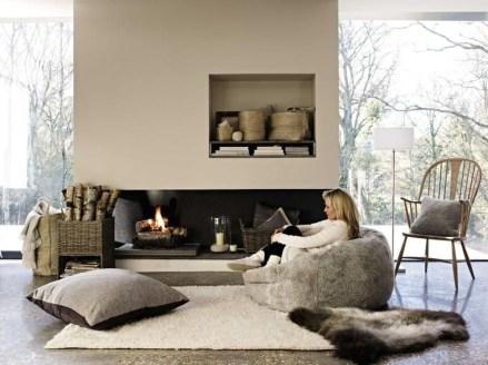 Popular Winter Living Room Design For Inspiration 40