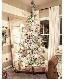 Rustic Farmhouse Christmas Decoration Ideas 15