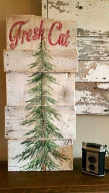 Rustic Farmhouse Christmas Decoration Ideas 26