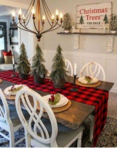 Rustic Farmhouse Christmas Decoration Ideas 30
