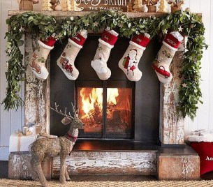 Smart Fireplace Christmas Decoration Ideas 04