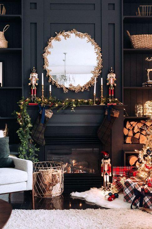 Smart Fireplace Christmas Decoration Ideas 12