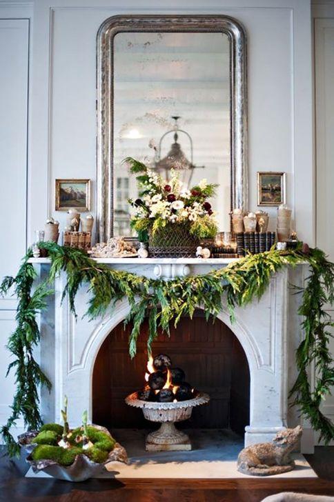 Smart Fireplace Christmas Decoration Ideas 31