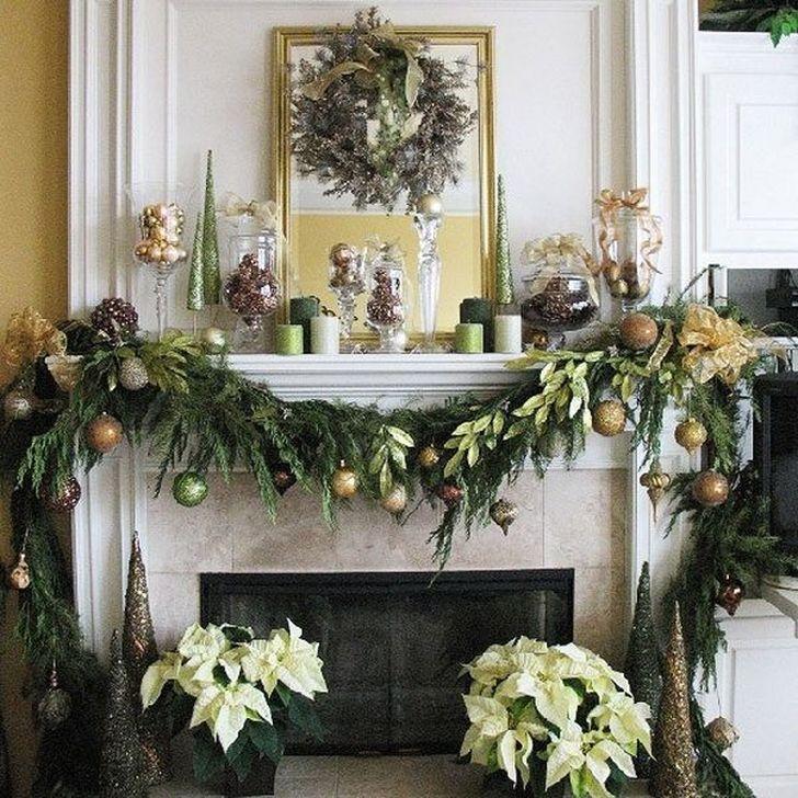 Smart Fireplace Christmas Decoration Ideas 35