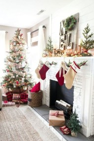 Smart Fireplace Christmas Decoration Ideas 40