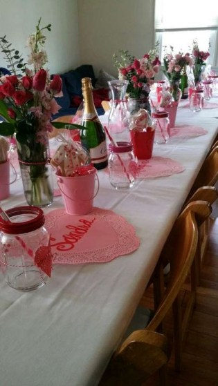 Beautiful Valentines Day Table Decoration Ideeas 30