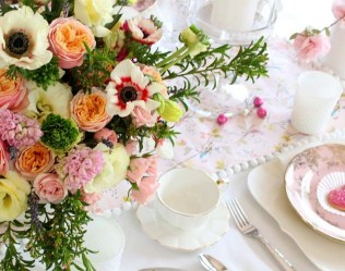 Beautiful Valentines Day Table Decoration Ideeas 50
