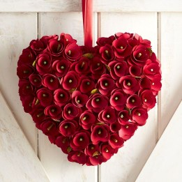 Best Ideas To Decorate Your Porch For Valentines Day 10