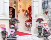 Best Ideas To Decorate Your Porch For Valentines Day 18