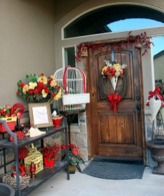 Best Ideas To Decorate Your Porch For Valentines Day 32
