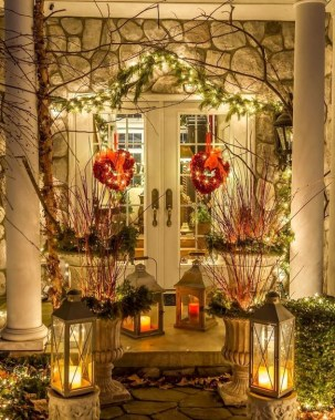 Best Ideas To Decorate Your Porch For Valentines Day 37