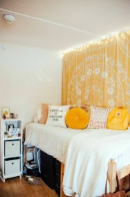 Delightful Yellow Bedroom Decoration And Design Ideas 03