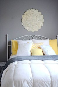 Delightful Yellow Bedroom Decoration And Design Ideas 47