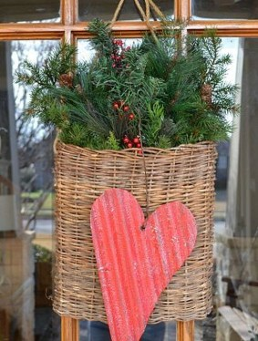Elegant Front Porch Valentines Day Decor Ideas 08