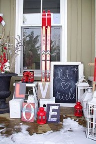 Elegant Front Porch Valentines Day Decor Ideas 27