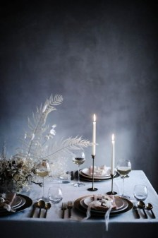 Extraordinary Winter Table Decoration You Can Make 05