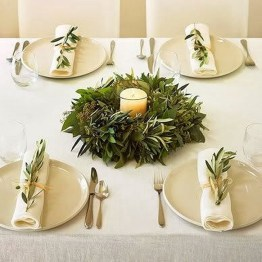 Extraordinary Winter Table Decoration You Can Make 32