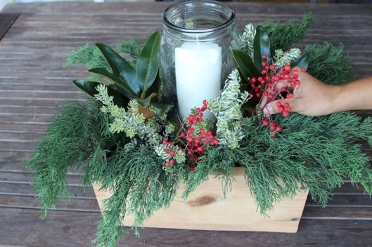 Extraordinary Winter Table Decoration You Can Make 45