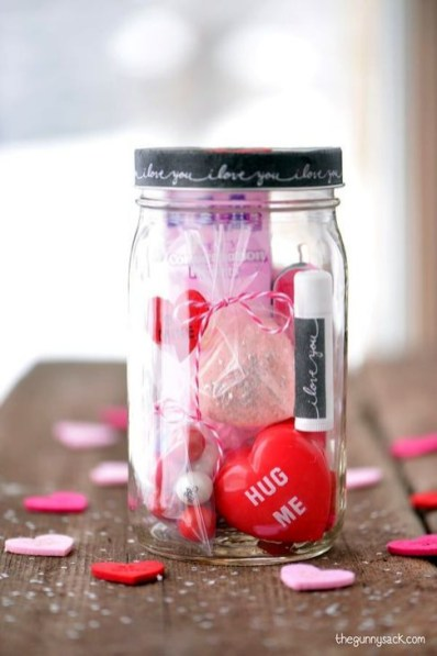 Fabulous Valentines Day Mason Jar Decor Ideas 09
