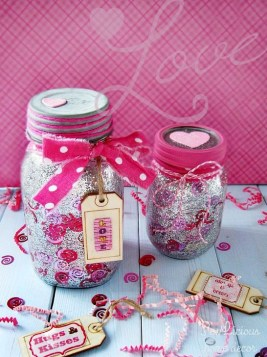 Fabulous Valentines Day Mason Jar Decor Ideas 18