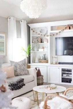 Gorgeous Winter Family Room Design Ideas 23
