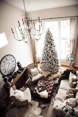 Gorgeous Winter Family Room Design Ideas 33
