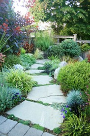 Innovative Stepping Stone Pathway Decor For Your Garden 28