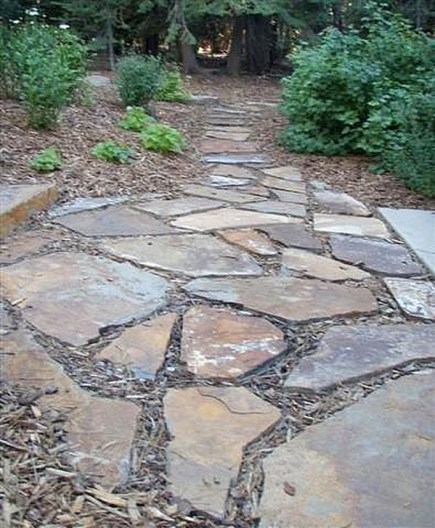 Innovative Stepping Stone Pathway Decor For Your Garden 37