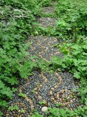 Innovative Stepping Stone Pathway Decor For Your Garden 47