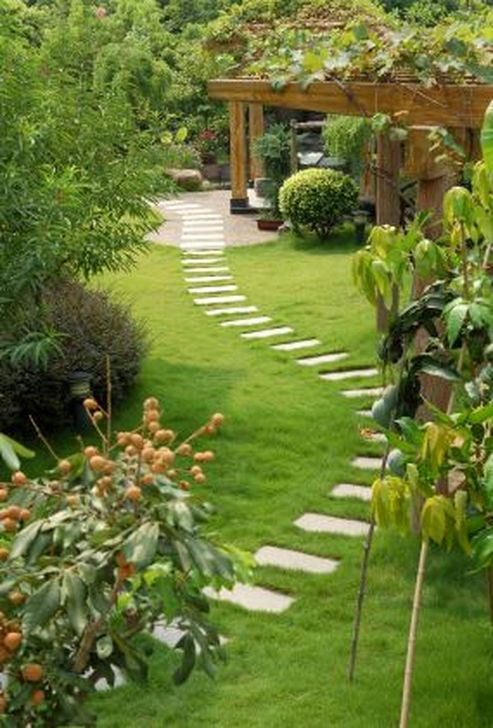 Innovative Stepping Stone Pathway Decor For Your Garden 53