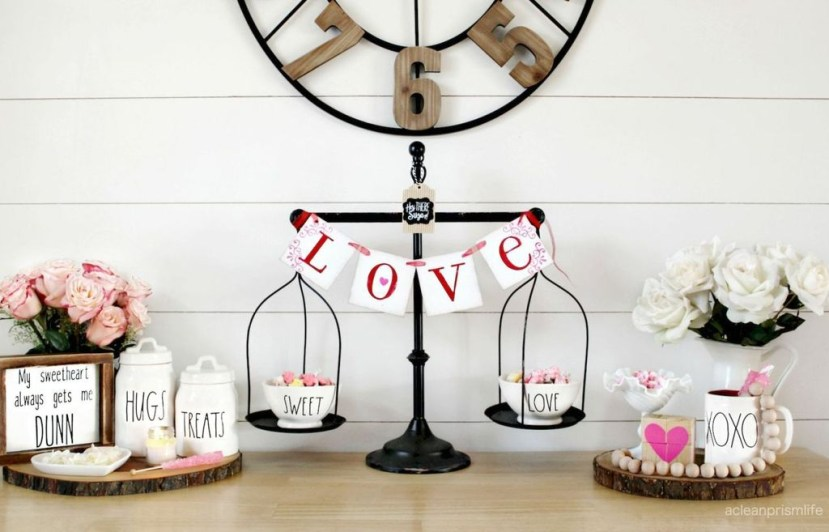 Inspiring Farmhouse Style Valentines Day Decor Ideas 09