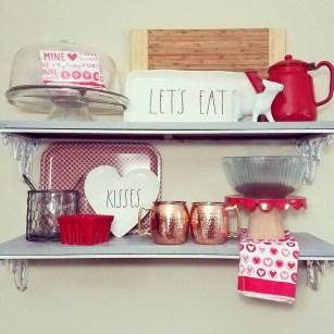 Inspiring Farmhouse Style Valentines Day Decor Ideas 21