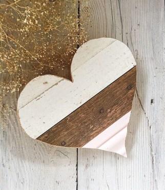 Inspiring Farmhouse Style Valentines Day Decor Ideas 23